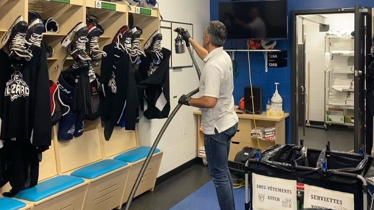 The My Breezzz product was recently tested in a hockey team dressing room at theCentre Jean-Daiglein Edmundston.