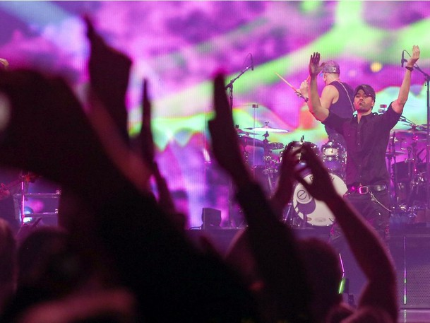 Enrique Iglesias performs at the Bell Centre in Montreal, October 9, 2021.
