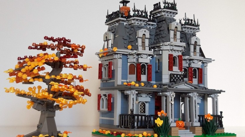 Ingo Hoeltzig lived in the iconic Todd Mansion on Union Street with his wife, Gisela, while they were students at St. Stephen's University in 2006. The Lego enthusiast has recreated the mansion from his home in Munich, Germany.