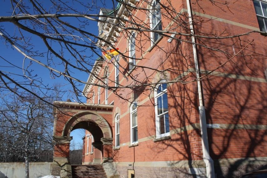 The Town of Hampton says residents who travelled to Moncton or Campbellton in recent days cannot use the community centre or engage in organized sports for 14 days after their return.