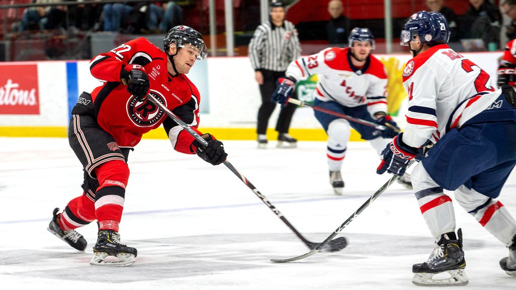 Former UNB Reds defenceman Matt Murphy will play for the Fort Wayne Komets of the ECHL next season, one of three former Reds to suit up with the squad.