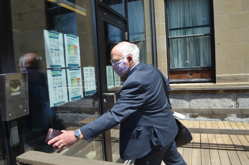 Is Green party Leader David Coon taking a recharge before a snap election? Jury's still out.