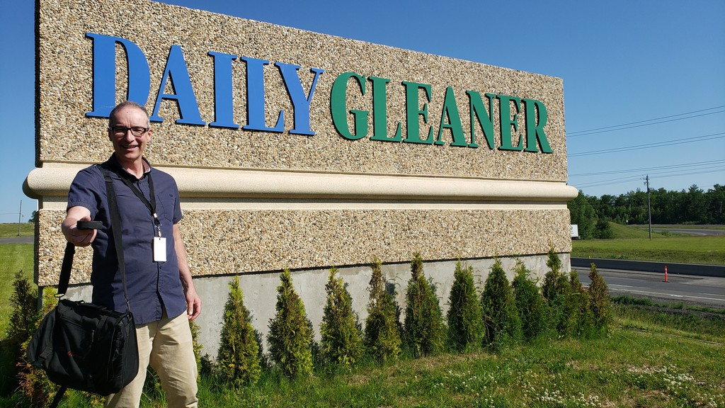 Daily Gleaner columnist Bill Hunt has worked alongside sports editor Bruce Hallihan for his entire career in Fredericton. Hallihan was saluted with the Fred Sgambati Award, a national award recognizing his coverage of university sports.