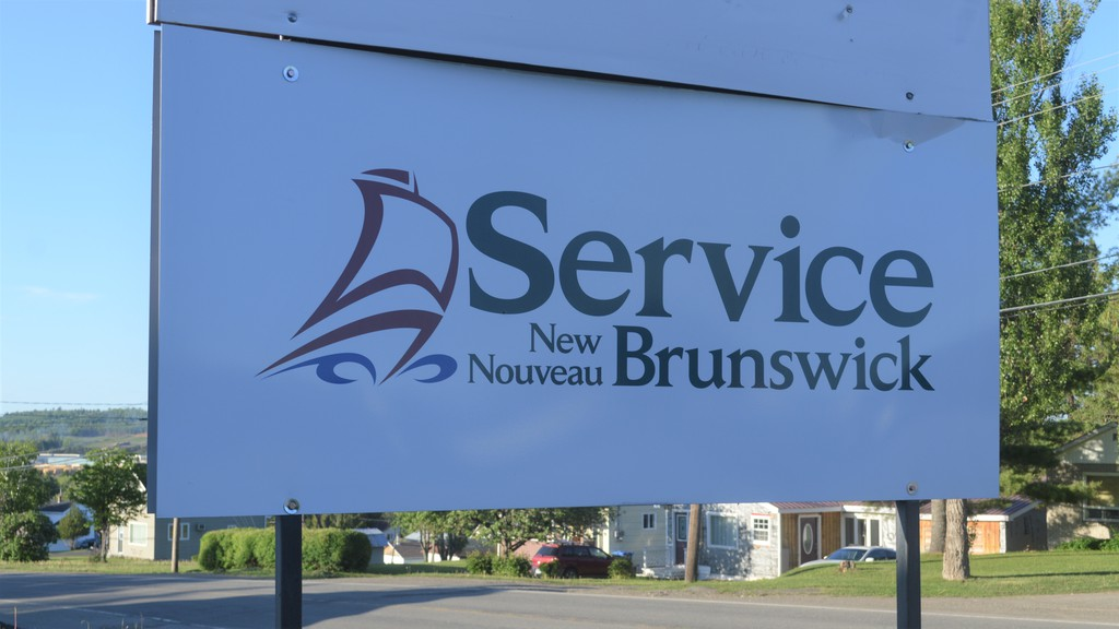 Mayors of Plaster Rock, Perth-Andover, Florenceville-Bristol and the chief of Tobique First Nation were pleased with the news Service New Brunswick offices in local communities will reopen.
