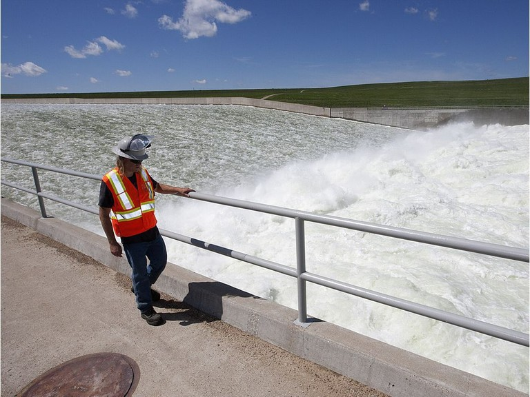 Dams used to provide hydroelectricity, like the Saskatchewan dam pictured here, are outliving their usefulness, writes Allan Bonner.