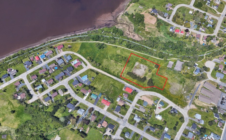 Garderie Bimbo daycare is asking the City of Bathurst to amend the land use designation for 1578 Franklin Avenue in order to build a new daycare facility. The daycare is asking the city to change the designation from recreation land/community park to residential land use.