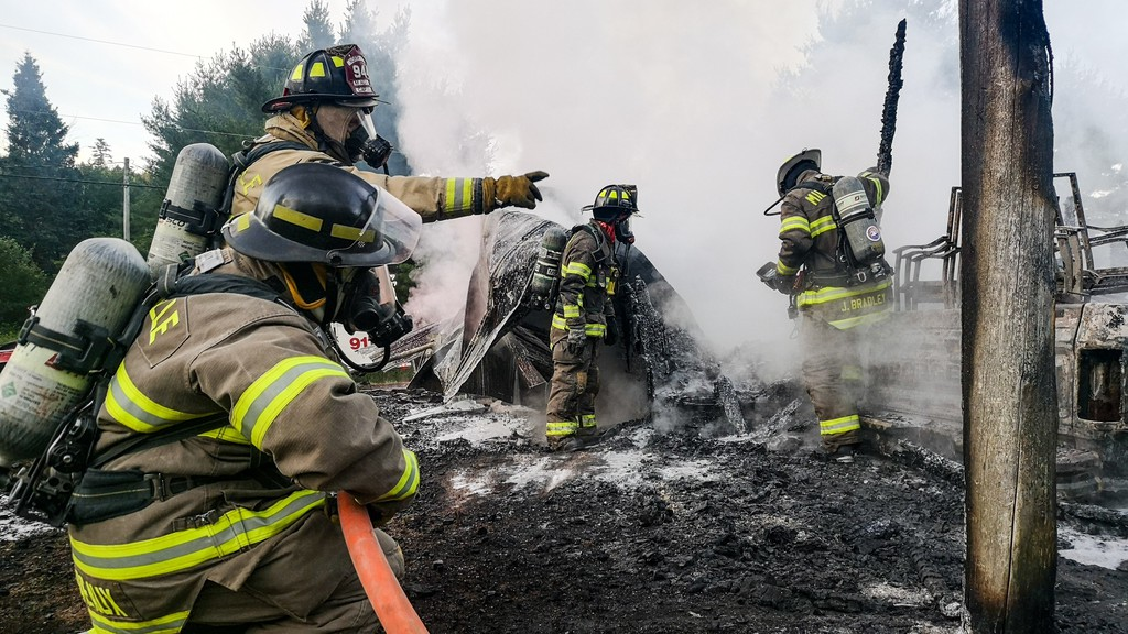 Crews with the North York Fire Department responded to a garage fire in Upper Keswick Monday morning, said Chief Justin McGuigan.