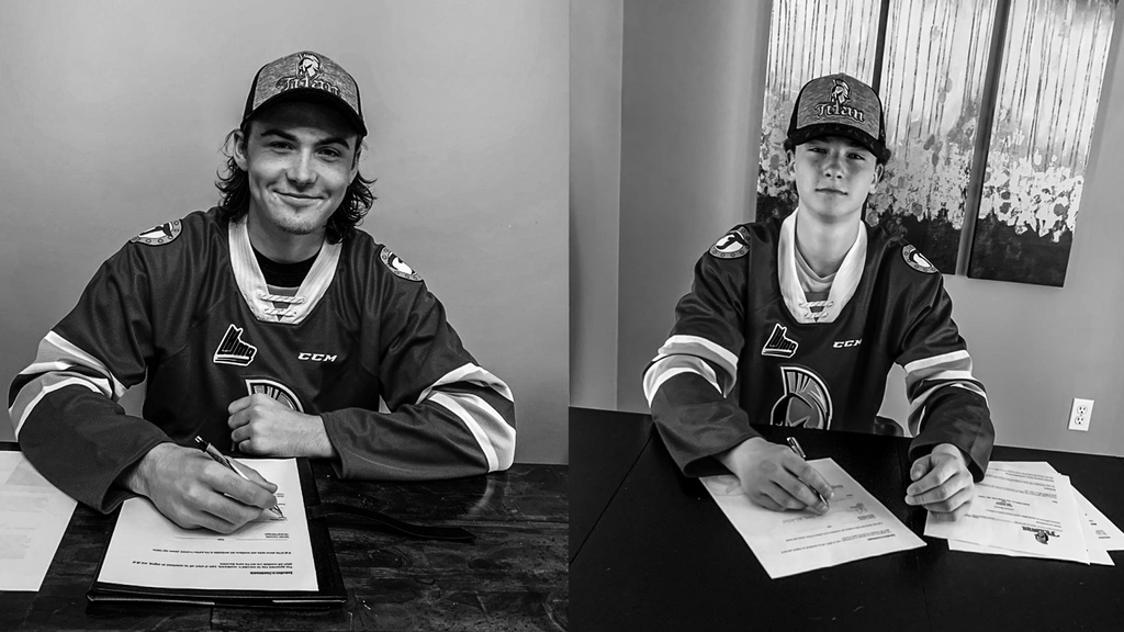 Lane Hinkley, left, and Dylan Andrewswere selected by the Acadie-Bathurst Titanin the 2020 QMJHLEntry Draft. Both have signed their names to Standard Player Agreements with the team.