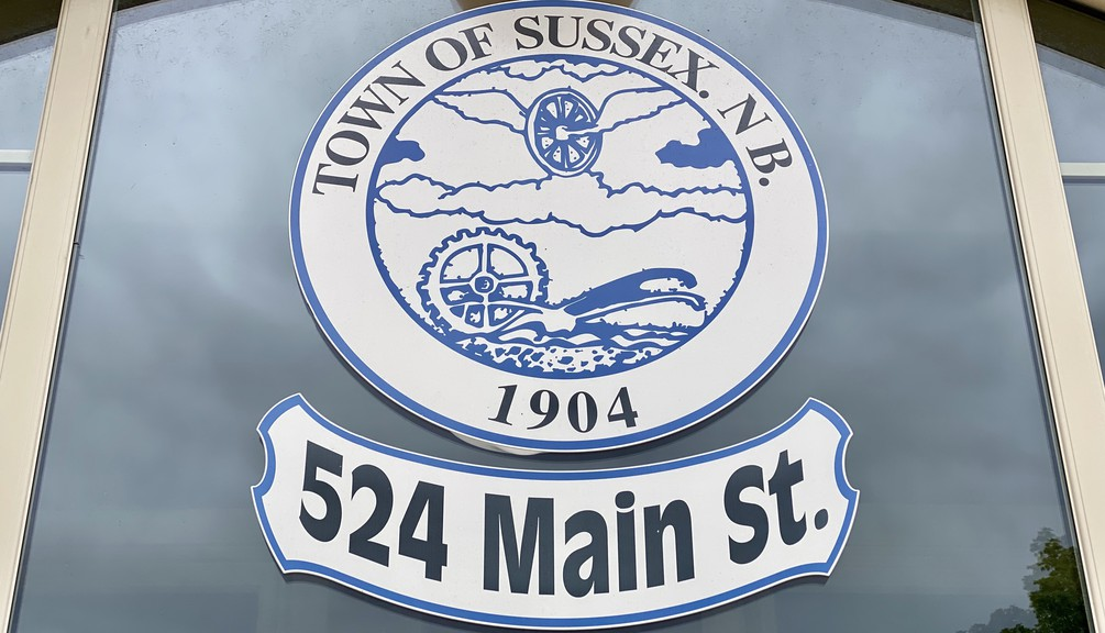 The Town of Sussex is now accepting applicationsfor residents looking to memorialize individuals or historical events in public spaces with trees, benches, or picnic tables.