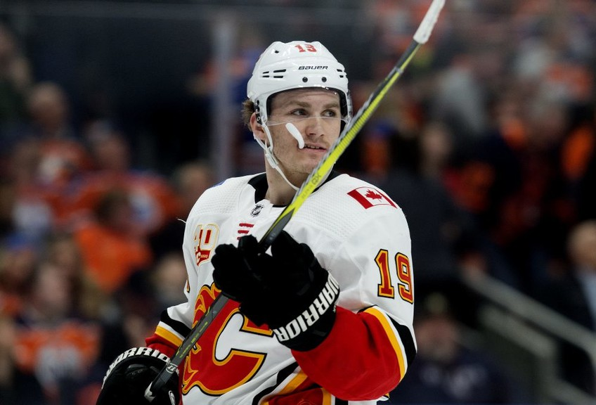 The Calgary Flames' Matthew Tkachuk (19) during first period NHL action against the Edmonton Oilers at Rogers Place on Jan. 29, 2020.