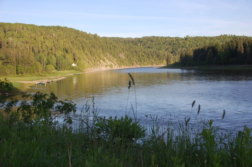 The ban on daytime fishing, including catch and release, on parts of the Restigouche River that was put in place earlier this summer remains in effect.