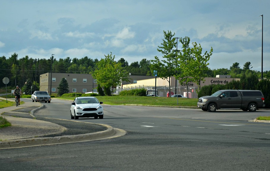 Miramichi City Council unanimously approved a plan to extend the municipal-owned right-of-way on Douglastown Boulevard from its northern tip at the Route 8/11 southbound ramps past Walmart to the Service Canada office.