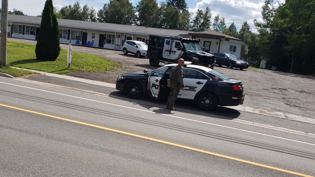 Police were on the scene of a standoff at the Knights Inn on Lincoln Road on Friday, which ended with one man under arrest who was wanted on a Canada-wide warrant.