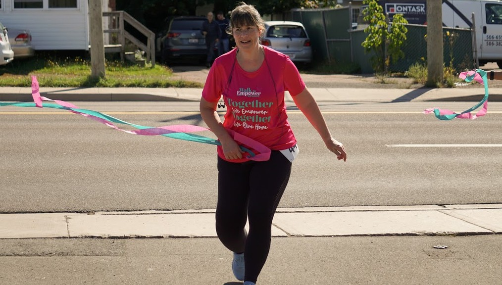 Gisèle DeVarennes completed a 42.2-kilometre marathon walk, from Grande-Digue to Dieppe, to raise awareness and funds for lymphedema support.