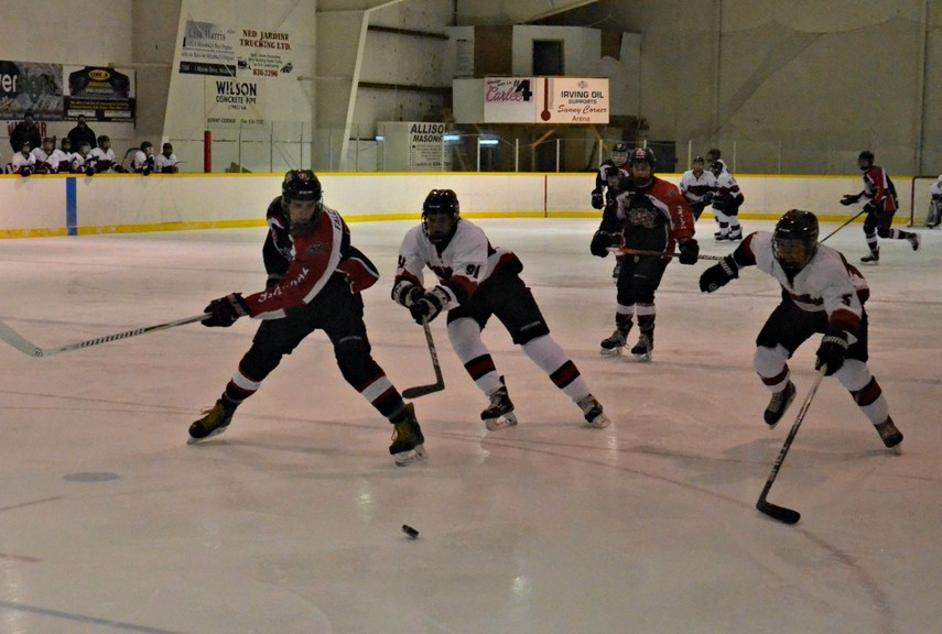 The Sunny Corner Thunder dropped a 5-2 decision to the Western Valley Panthers in New Brunswick Junior Hockey League action Sunday at Sunny Corner Arena.