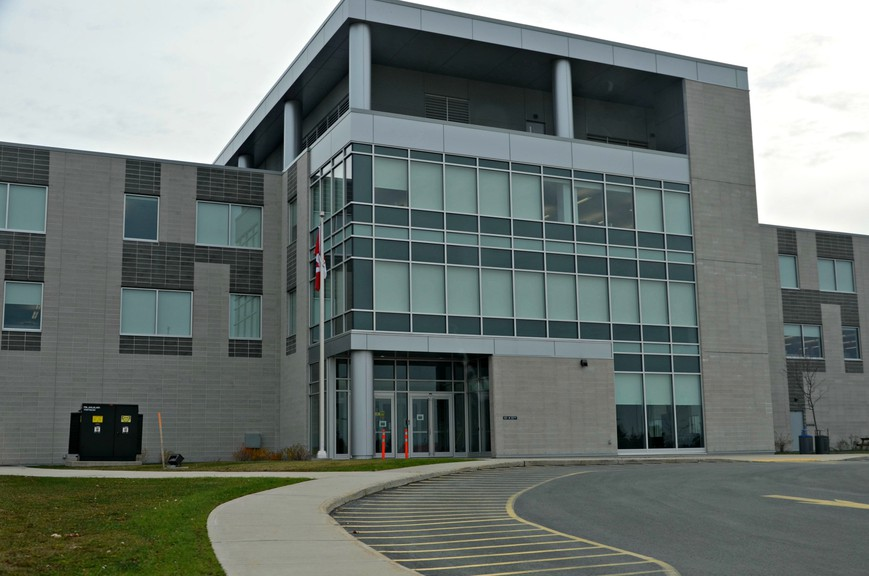 Staff at the Public Service Pay Centre in Miramichi saw 2,000 more transactions above their normal workload during the three pay periods between Aug. 19 and Sept. 30 than they handled during the previous three pay periods.