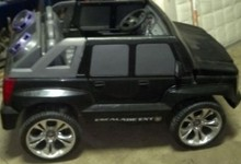 Power Wheel Kids Escalade Exts