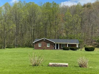 201 BRIARY RD, Quincy, KY 41166 - Photo 1