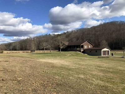 21658 BOLTS FORK RD, Rush, KY 41168 - Photo 2