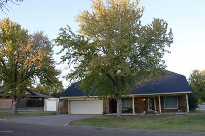 225 SKYCREST ST, Borger, TX 79007 - Photo 1