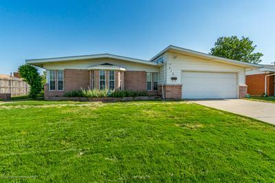 812 BAGWELL ST, Borger, TX 79007 - Photo 2