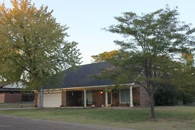 225 SKYCREST ST, Borger, TX 79007 - Photo 2
