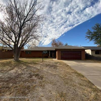1807 FLOYDADA 1807 ST, Plainview, TX 79072 - Photo 1