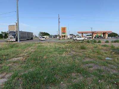 401 W 1ST ST, Claude, TX 79019 - Photo 1