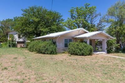710 S GOODNIGHT ST, Clarendon, TX 79226 - Photo 2