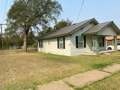 309 N 16TH ST, Memphis, TX 79245 - Photo 2