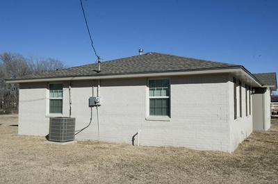 1721 W BRADFORD ST, Memphis, TX 79245 - Photo 2