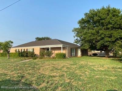 1221 W BRADFORD ST, Memphis, TX 79245 - Photo 1