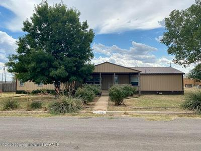 1607 AVENUE H NW, Childress, TX 79201 - Photo 1