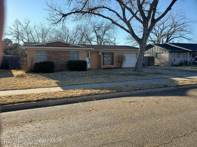 1605 MAPLE AVE, Panhandle, TX 79068 - Photo 1