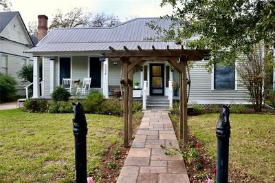 503 HUDGINS ST, Smithville, TX 78957 - Photo 1