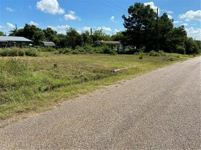 660 AMERICAN LEGION, Smithville, TX 78957 - Photo 2