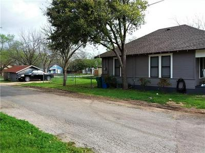 714 BURNS ST, TAYLOR, TX 76574 - Photo 2