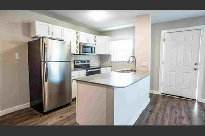 206 W 38TH ST APT 203, Austin, TX 78705 - Photo 1