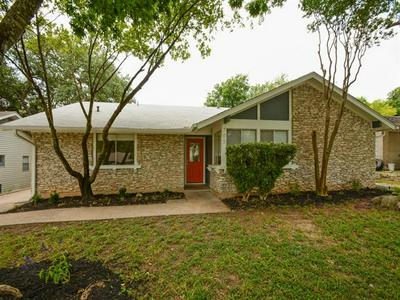 705 HUNTINGDON PL, Austin, TX 78745 - Photo 1