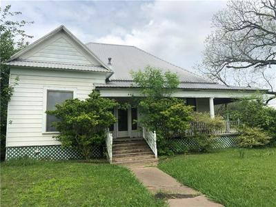 440 E DAVILLA ST, Bartlett, TX 76511 - Photo 2