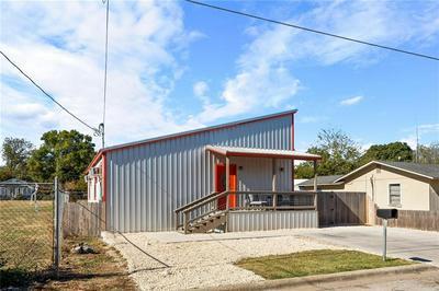 505 SAN SABA ST, Lockhart, TX 78644 - Photo 2