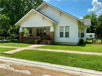 200 N AVENUE B, Elgin, TX 78621 - Photo 2