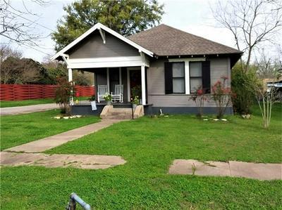 714 BURNS ST, TAYLOR, TX 76574 - Photo 1