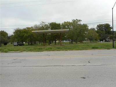 1300 W 2ND ST, Taylor, TX 76574 - Photo 2