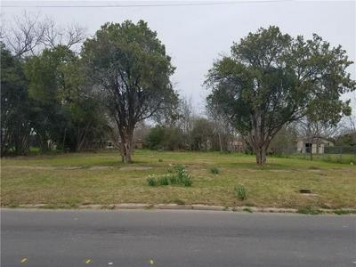 714 W CLARK ST, Bartlett, TX 76511 - Photo 1