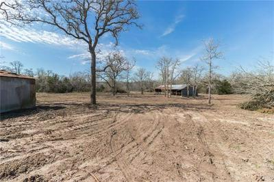 004 OLD WAELDER RD, Flatonia, TX 78941 - Photo 2