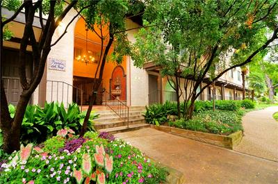 505 W 7TH ST APT 305, Austin, TX 78701 - Photo 2