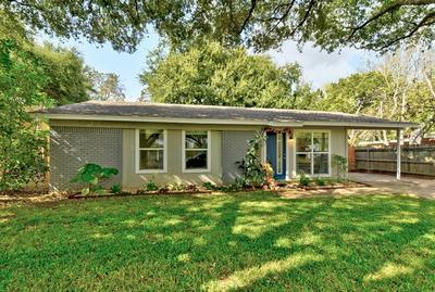5702 BLYTHEWOOD DR, Austin, TX 78745 - Photo 2
