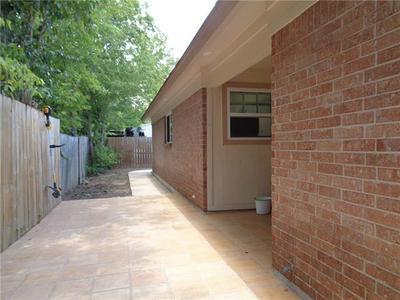 908 MORROW ST, Austin, TX 78757 - Photo 2