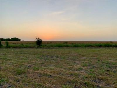 1265 SUNRISE DR, Thorndale, TX 76577 - Photo 2